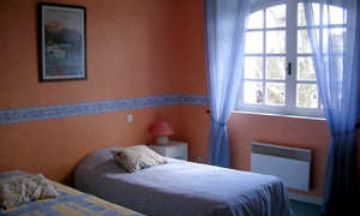 Pernes-les-Fontaines, Vaucluse, Vacation Rental House