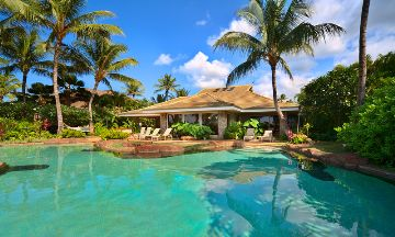 Beachfront Home With Private Pool And Lanai