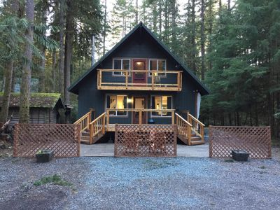 Mt. Baker Lodging Cabin #49 - Sleeps 10!